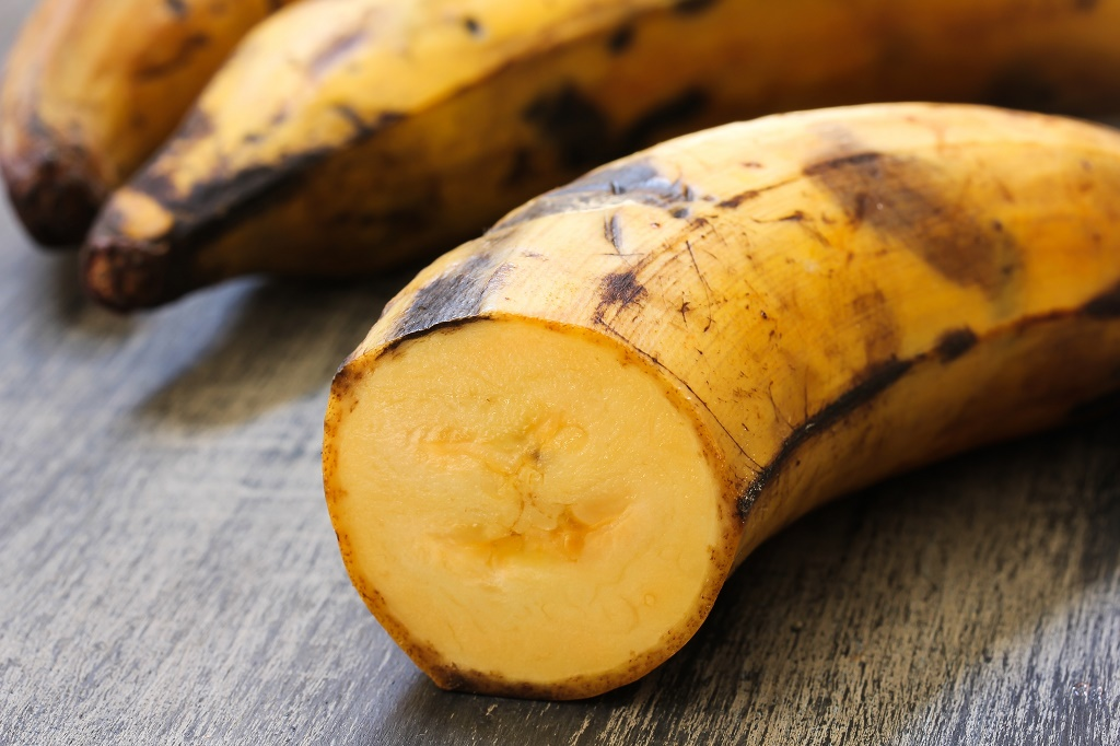 Plantain Contains More Starch And Less Sugar Pared To Dessert Bananas Is Usually Cooked Or Process Before Eaten