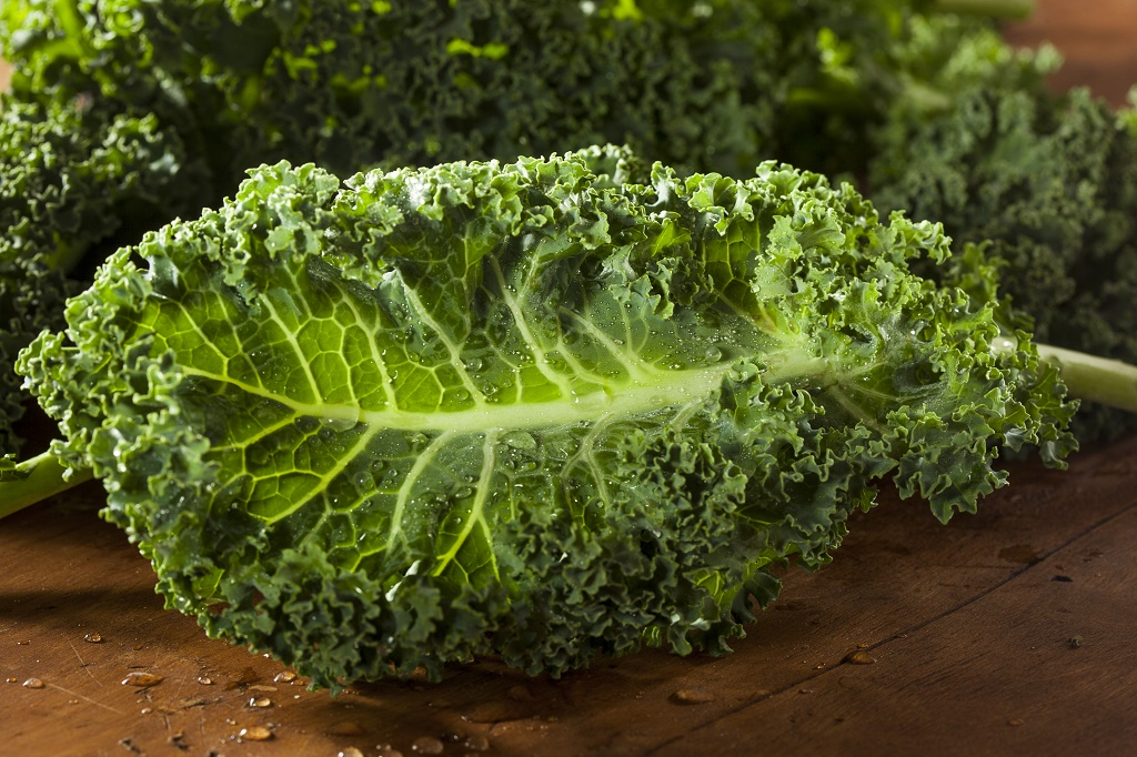 What does kale have in it