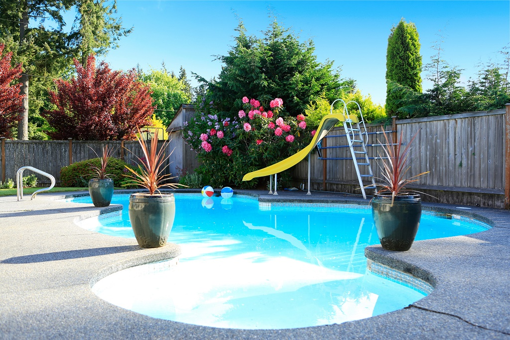 How much bleach to add to a pool keep the water clean - Chlorine calculator for swimming pools ...
