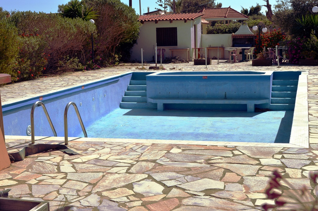 How Much Does It Cost To Replaster A Pool Knowing When To