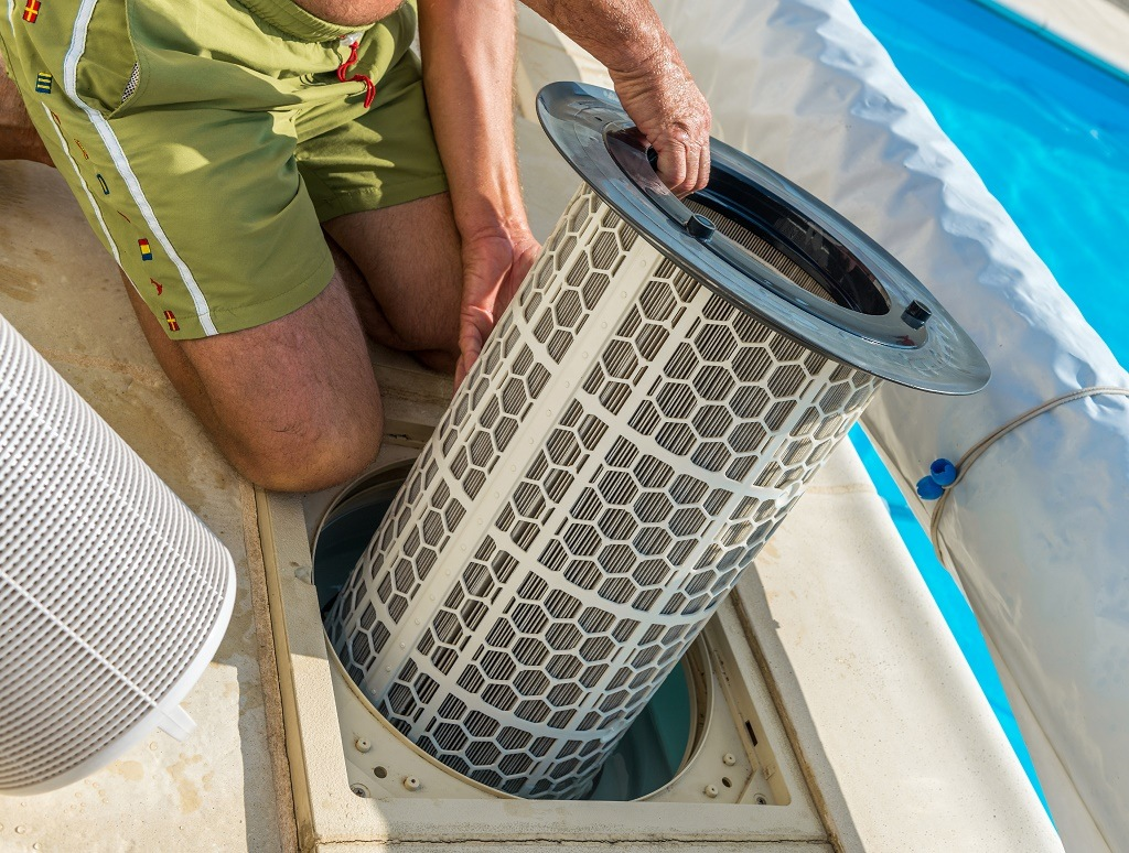 changing sand in pool filter