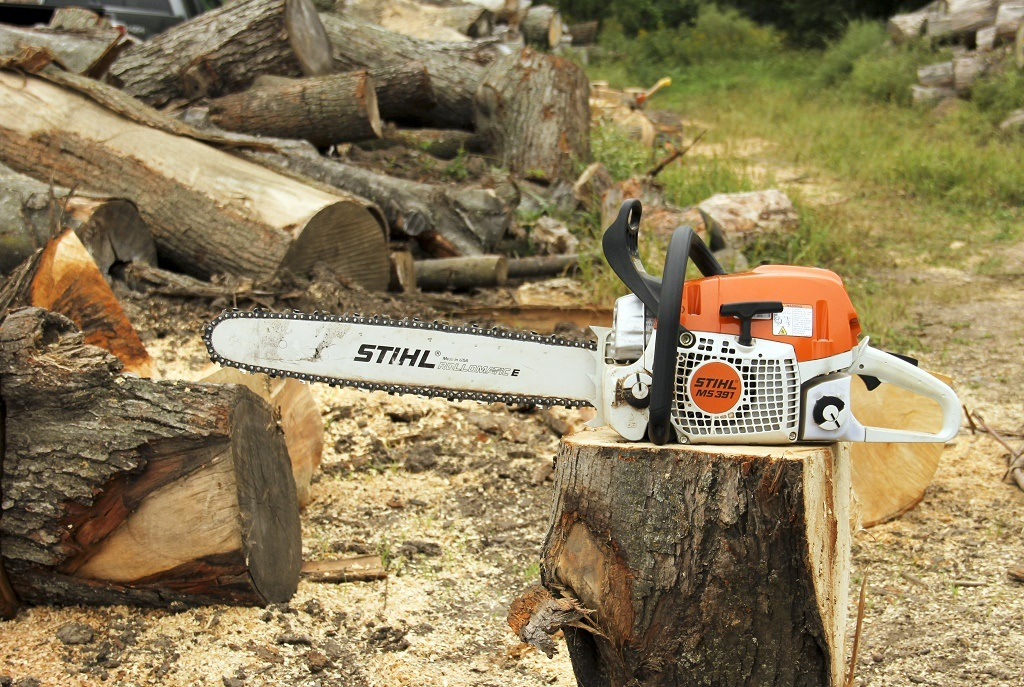 How to start stihl chainsaw in 5 steps greentooth