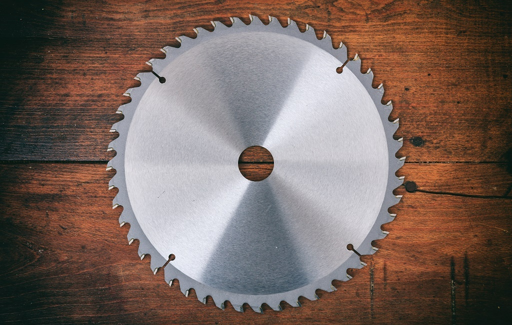 The 5 best brush cutter blades reviews ratings apr 2018 bush cutter blade on wooden background greentooth Image collections