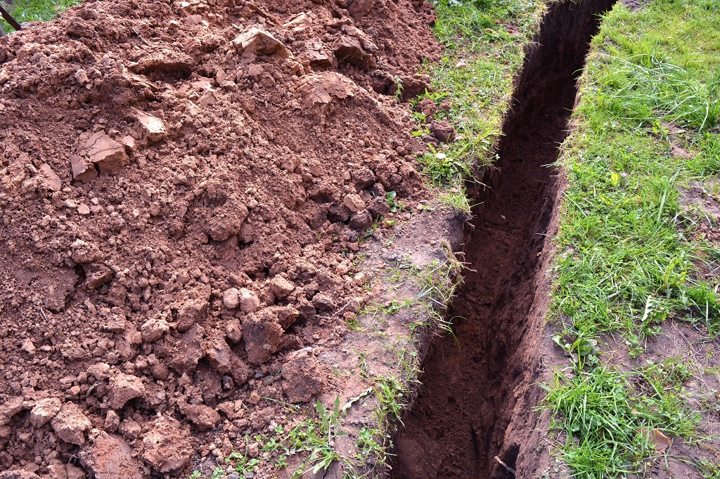How To Dig A Trench In 4 Methodical Steps (Sep  2019)