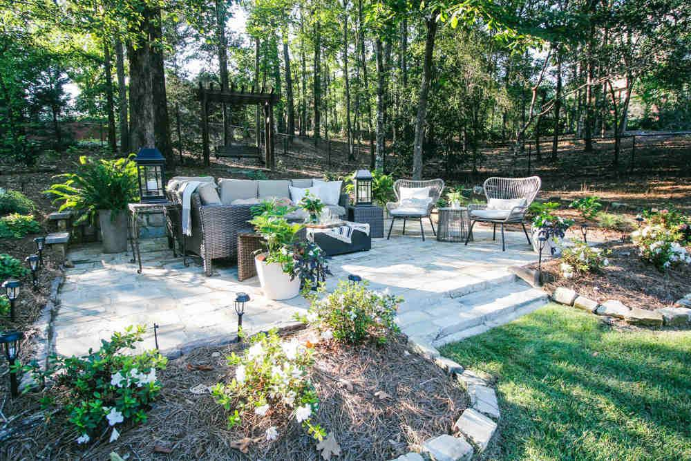 7 Ways to Prevent Weeds from Wrecking Your Backyard Aesthetic